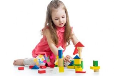 چرا و چگونه کودکان را به تنها بازی کردن تشویق کنیم؟