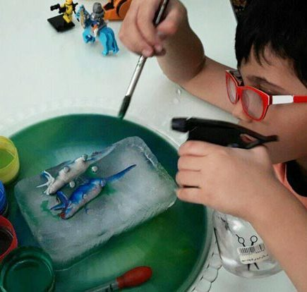 آزمایش علمی با یخ